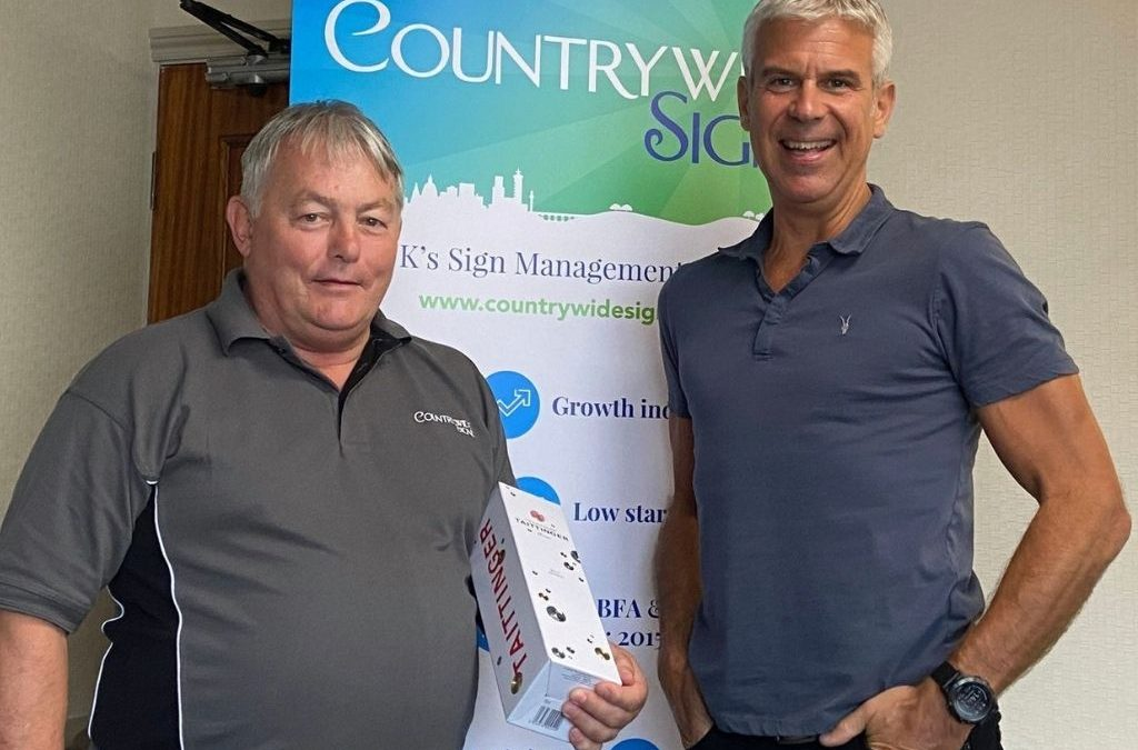 Ex-pub Landlord Chooses Van-based Franchise Countrywide Signs